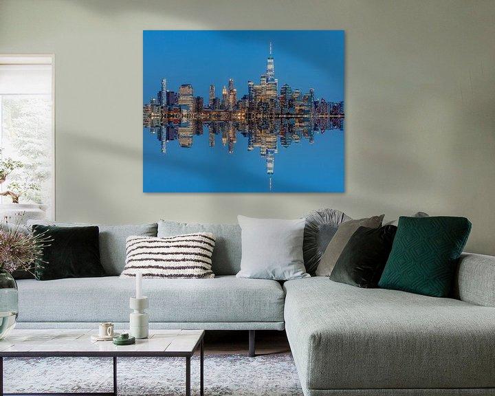 Sfeerimpressie: Manhattan Skyline met reflectie vanaf Hoboken, New Jersey van Jan van Dasler
