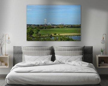 Landschap  met op de achtergrond de hoogovens van IJmuiden van Robin Verhoef