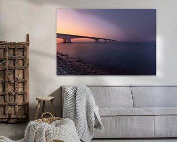 De Zeelandbrug tijdens een prachtige zonsondergang van Fabrizio Micciche