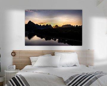 Yangshuo zonsondergang van Stijn Cleynhens