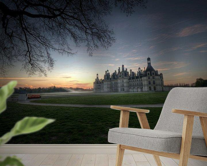 Sfeerimpressie behang: Chambord Chateaux in het morgenlicht van Hans Kool