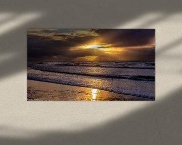 Zondsondergang aan de Noordzee van Texel eXperience