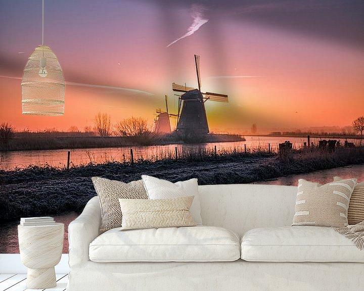 Sfeerimpressie behang: Zonsopkomst Kinderdijk van Henk Smit