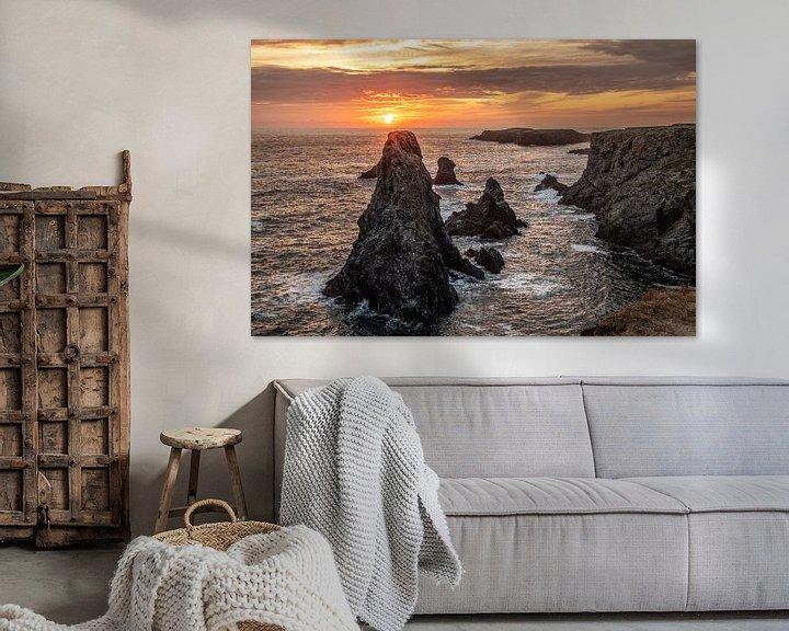 Impression: Coucher de soleil derrière les Aiguilles de Port Coton en Bretagne sur Arthur Puls Photography