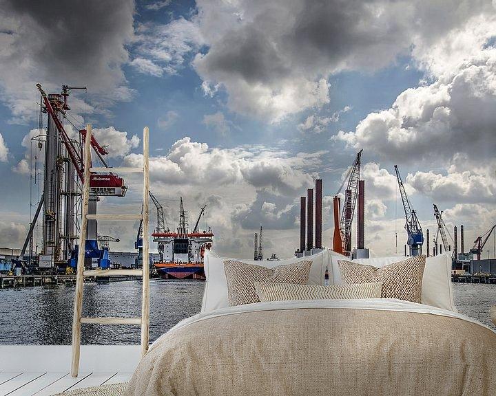 Sfeerimpressie behang: Schiedam, wolken, schepen en kranen van Frans Blok