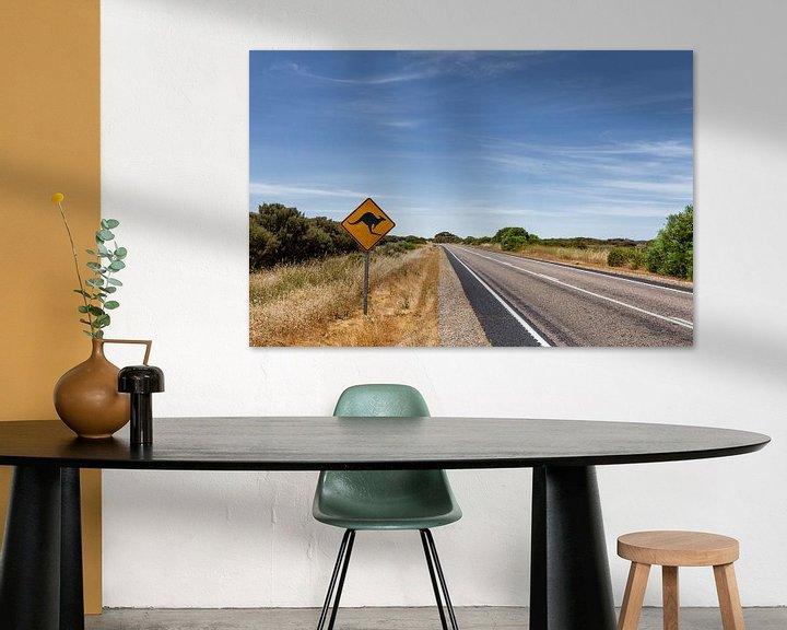 Sfeerimpressie: Outback Australië. Beroemde iconische kangaroe snelweg bord van Tjeerd Kruse