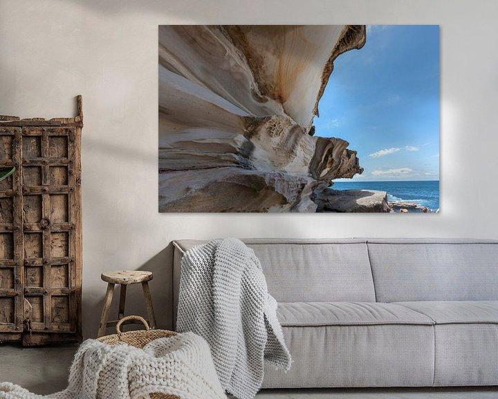 Sfeerimpressie: Bondi beach rotspartij aan de kust van Sydney, Australia van Tjeerd Kruse