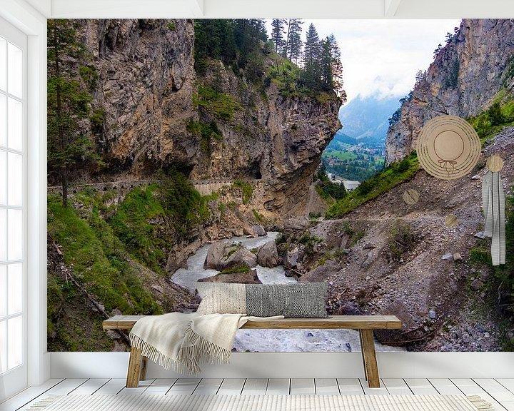 Sfeerimpressie behang: Kander waterval van Mark Lenoire