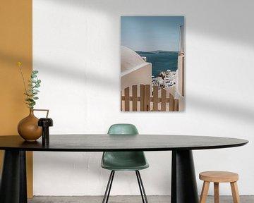 Uitzicht op Oia in Santorini Griekenland van Manon Visser
