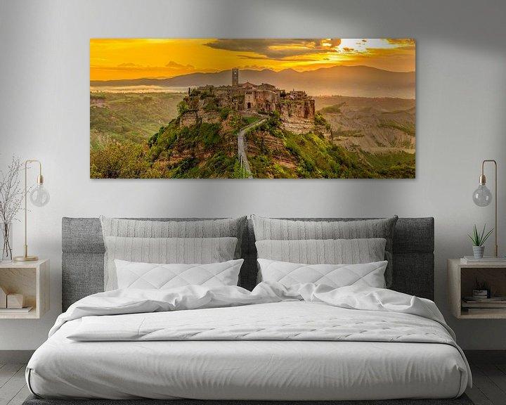 Sfeerimpressie: Civita di Bagnoregio at sunrise van Teun Ruijters