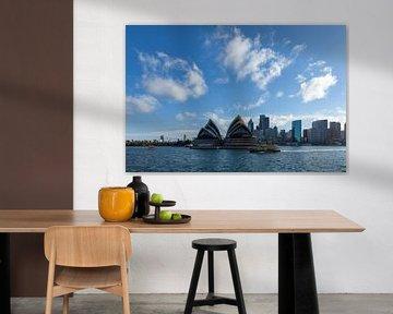 Die Skyline von Sydney mit dem Opera House, einem der bekanntesten Wahrzeichen von Sydney und Austra von Tjeerd Kruse