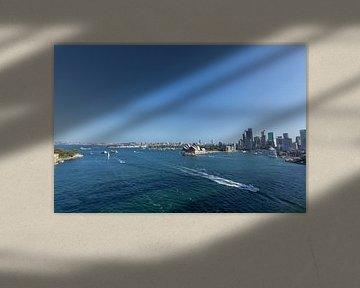 Sydney Skyline mit Opernhaus und kreisförmigem Kai. Eines der bekanntesten Wahrzeichen von Sydney un von Tjeerd Kruse