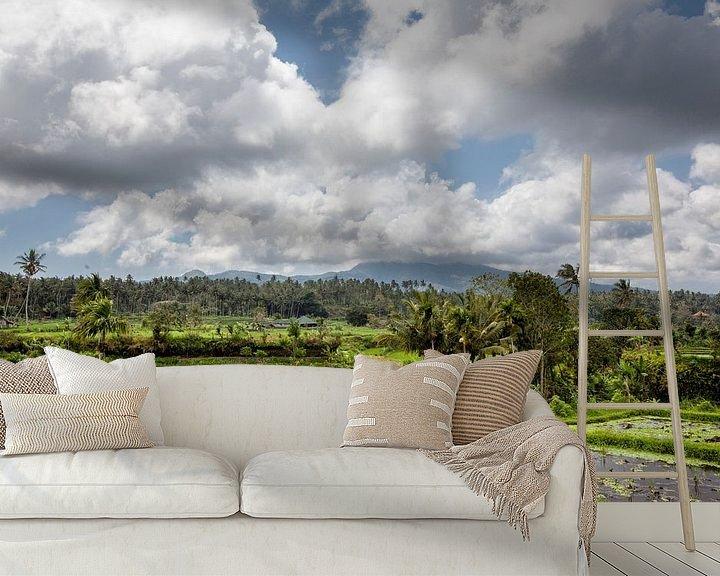 Sfeerimpressie behang: Prachtige groene terras rijstvelden op Bali, Indonesië van Tjeerd Kruse