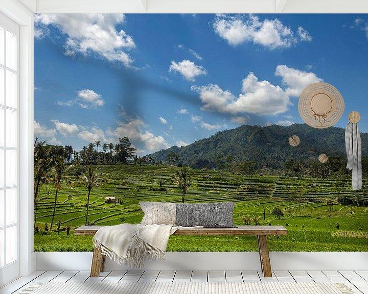 Sfeerimpressie behang: Indonesië - groene rijstterrassen in Bali van Tjeerd Kruse