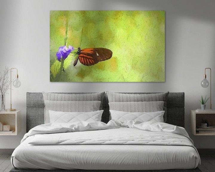 Sfeerimpressie: Mooie vlinder op paarse bloem, oliepastel van Rietje Bulthuis