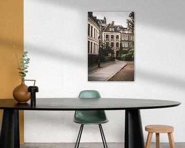 Eine kleine Straße in Lille in Frankreich von Bryan Van Tiggelen