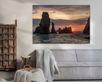 Aiguilles de Port Coton sur Belle Ile, Bretagne (France) au coucher du soleil
