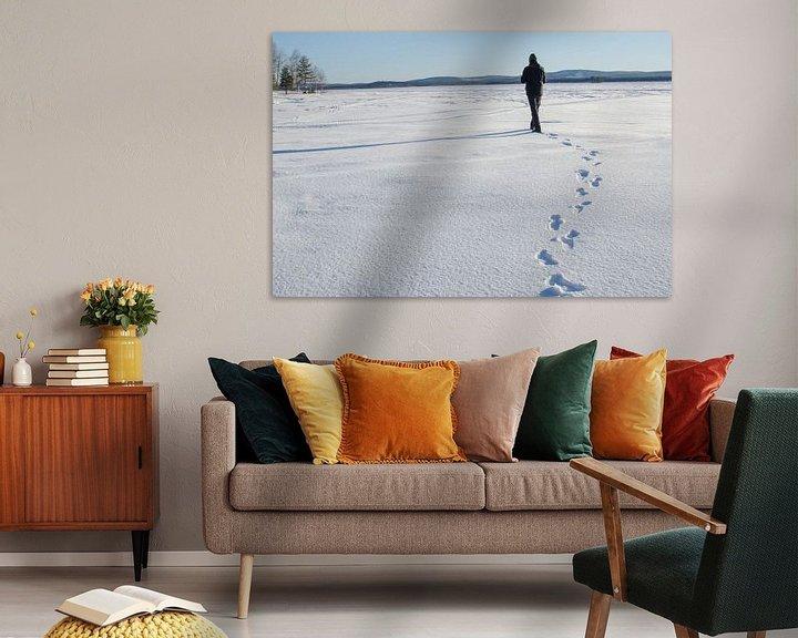 Sfeerimpressie: Winterwandeling op bevroren meer in Zweeds Lapland van Anouk Hol