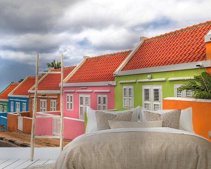 Sfeerimpressie behang: Echt kleurrijk Curacao - Willemstad van Marly De Kok
