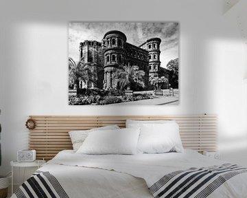 Porta Nigra in Trier schwarz-weiß von Jörg Hausmann