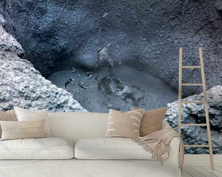 Sfeerimpressie behang: Hverir kokende modderpot 1 van Anton de Zeeuw