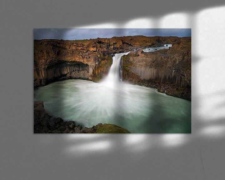 Sfeerimpressie: Aldeyjarfoss waterval te IJsland van Anton de Zeeuw
