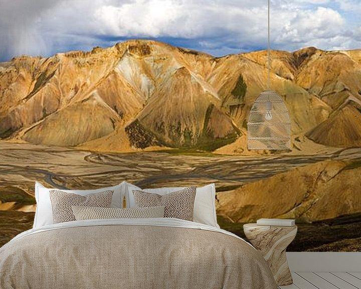 Sfeerimpressie behang: Panorama Landmannalaugar te IJsland van Anton de Zeeuw