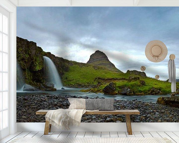 Impression: Panorama Kirkjufellsfoss avec Kirkjufell Mountain en arrière-plan sur Anton de Zeeuw
