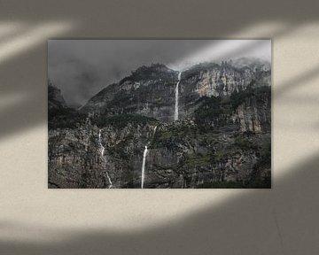 Waterval in de mist van Isa V