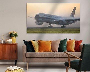 Nebliger Start China Southern Cargo Boeing 777F von Mark de Bruin