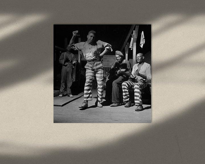 Beispiel: Tanz in einem Gefangenenlager in GEORGIEN 1941 von Atelier Liesjes