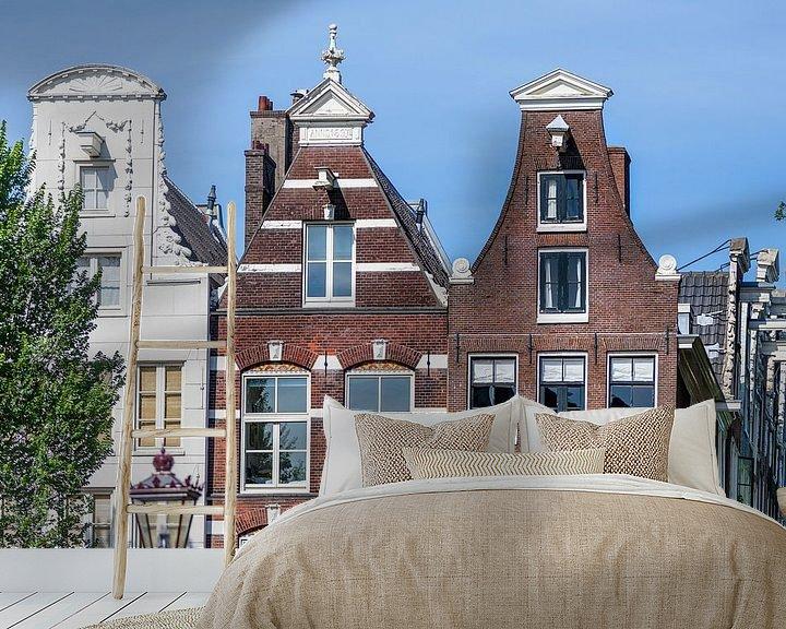 Sfeerimpressie behang: Typische Amsterdamse huizen aan de gracht van Jan van Dasler