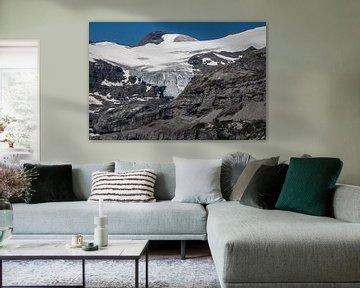 Gletscher mit Berghütte