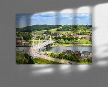 Hangbrug in het dorpje Kanne, Belgisch Limburg