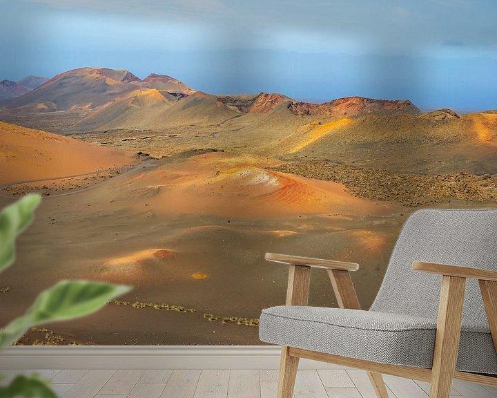 Sfeerimpressie behang: Nationaal park Timanfaya op Lanzarote van Alice Berkien-van Mil