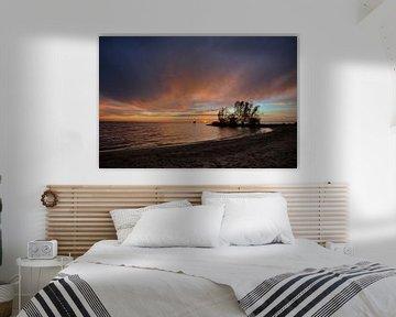 Zonsondergang IJsselmeer bij Urk van Arnold van Rooij