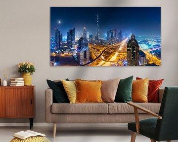 Dubai skyline bij nacht van Remco Piet