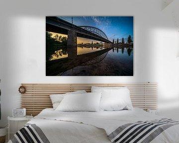 Zonsondergang aan de Arnhemse John Frost rijnbrug van Dave Zuuring