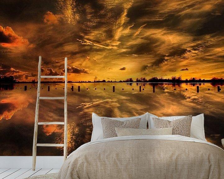 Sfeerimpressie behang: Sunset, Vianen,  The Netherlands van Maarten Kost
