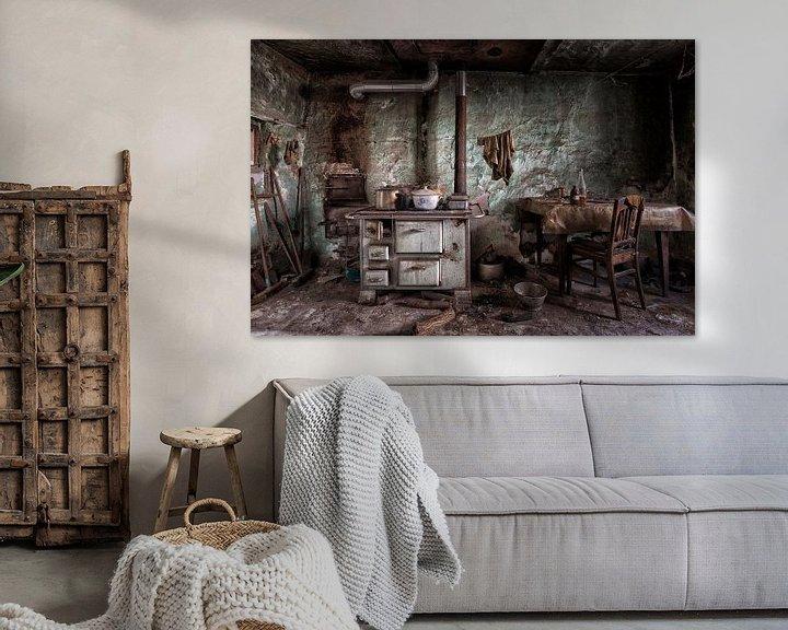 Sfeerimpressie: Ouderwetse keuken in verlaten pand van Beyond Time Photography