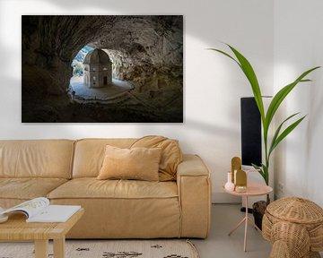 Tempio del Valadier, stoere kapel uitgehouwen in een rots in Italie