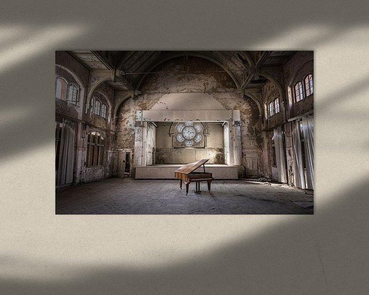 Beispiel: Klavier im verlassenen Theater von Inge van den Brande