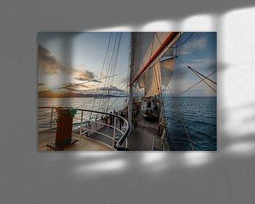 Zonsondergang aan boord van hetTallship Antigua.