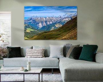 Uitzicht op de bergen. van Jurgen Maassen