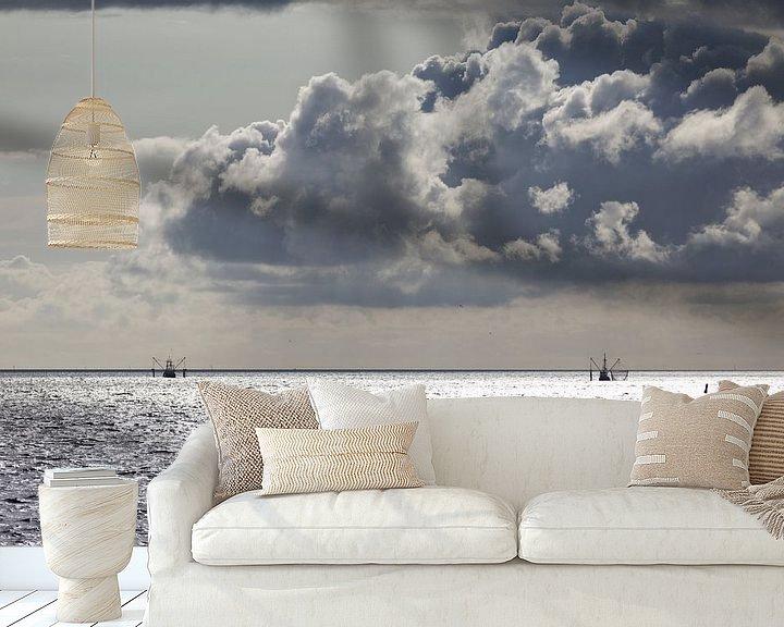 Sfeerimpressie behang: Vissersboten Waddenzee van Miranda van Hulst
