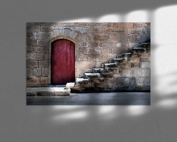 Impression: Oude stadsmuur met rode deur en trap sur Tammo Strijker