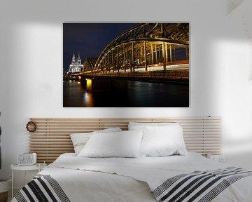 Kölner Dom und Hohenzollernbrücke bei Nacht von 77pixels