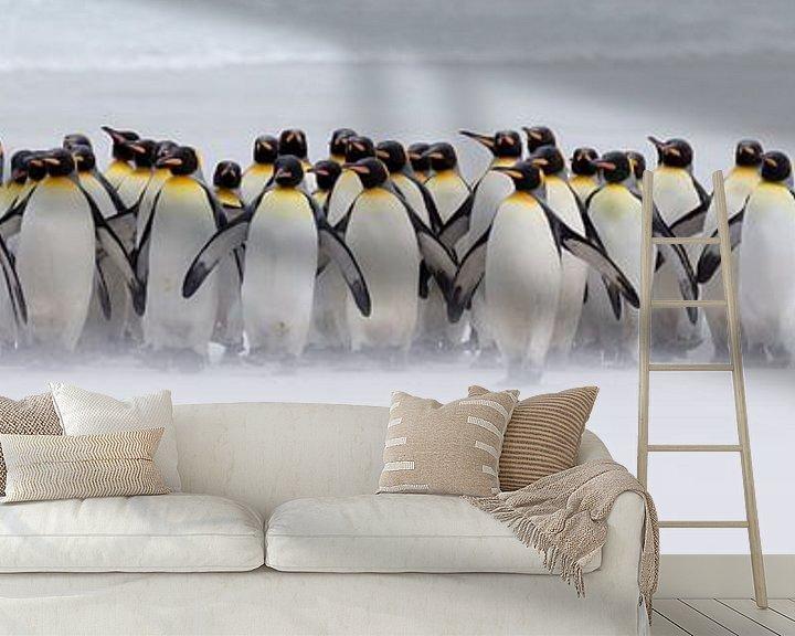 Sfeerimpressie behang: Just a few penguins (expo versie) van Claudia van Zanten