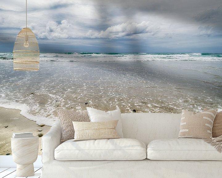 Sfeerimpressie behang: Mooie wolken boven zee van Mark Bolijn