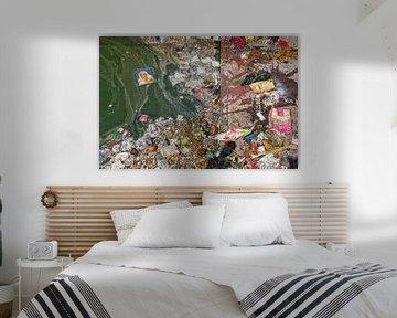 Verschmutzung am Strand des tropischen Meeres. Kunststoffabfälle, Schaum, Holz und Schmutzabfälle am von Tjeerd Kruse